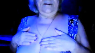hot granny flashing her..